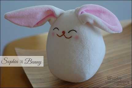 Free pattern: Sophia the Bunny softie