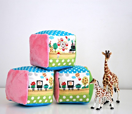 Tutorial: Soft rattle baby blocks