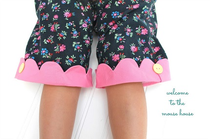Free pattern: Scallop cuff capris for little girls