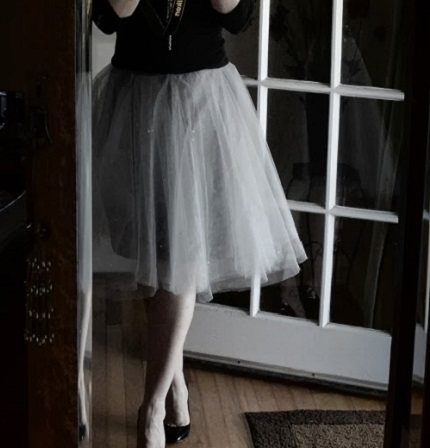Tutorial: Crystal tulle skirt with a t-shirt lining