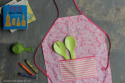Tutorial: Easy toddler apron from a fat quarter