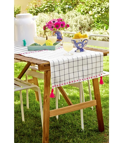 Tutorial: Quick and easy tea towel table runner