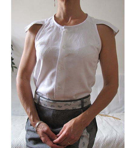 Tutorial: Modern cut in sleeve blouse from a men's shirt