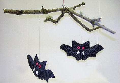 Tutorial: Halloween bat mobile