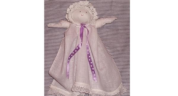Tutorial: No-sew handkerchief dolls