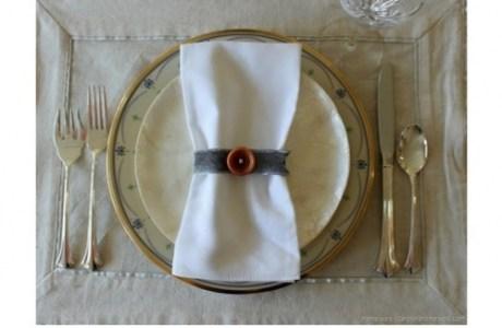 Vintage-Button-Napkin-Ring-via-homew