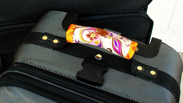 Tutorial: Easy luggage handle wrap