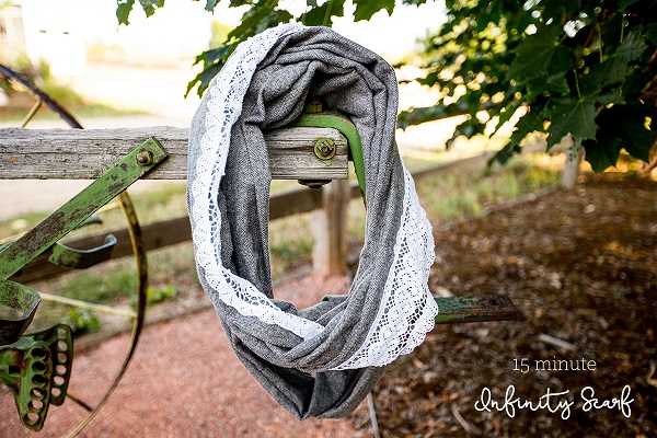 Tutorial: 15-minute lace and flannel infinity scarf
