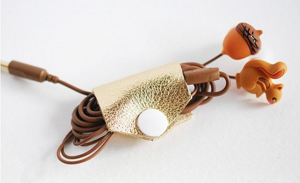Tutorial: No-sew leather cord keeper
