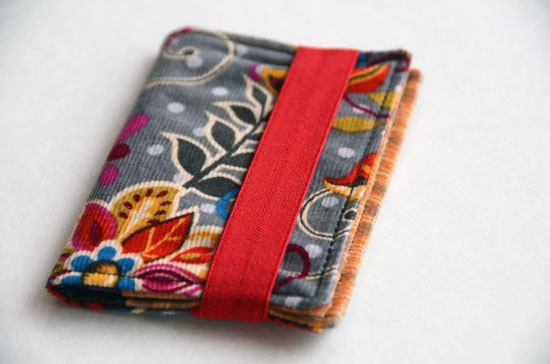 Tutorial: Business card wallet with an easy elastic closure