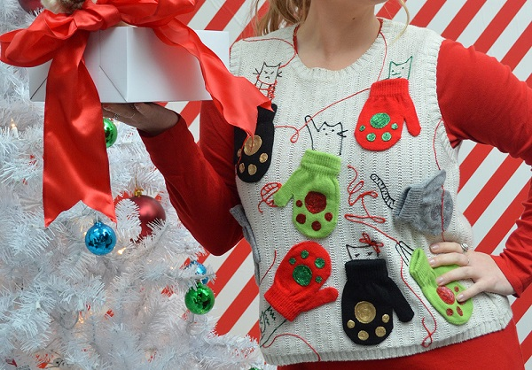 Tutorial: No-sew crazy cat lady ugly Christmas sweater