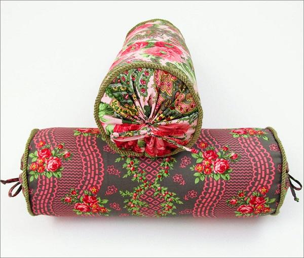 Tutorial: Vintage inspired bolster pillows