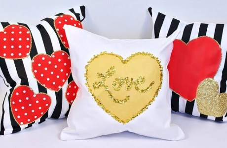 Tutorial: Glitter and sequin Valentine's heart pillows