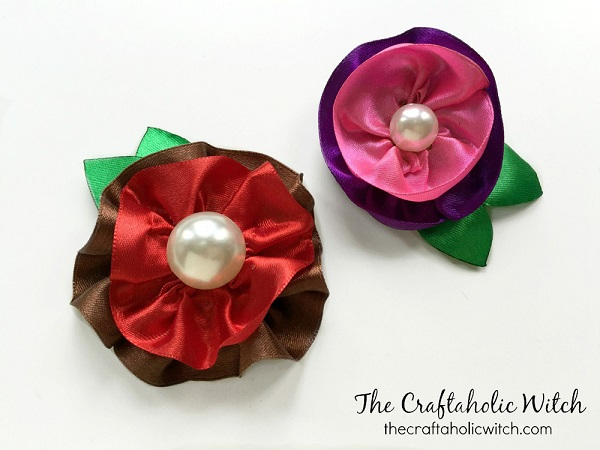 Tutorial: Gathered ribbon flowers