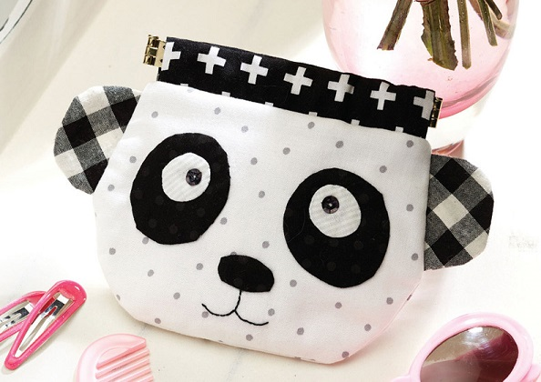 Free pattern: Panda pinch purse