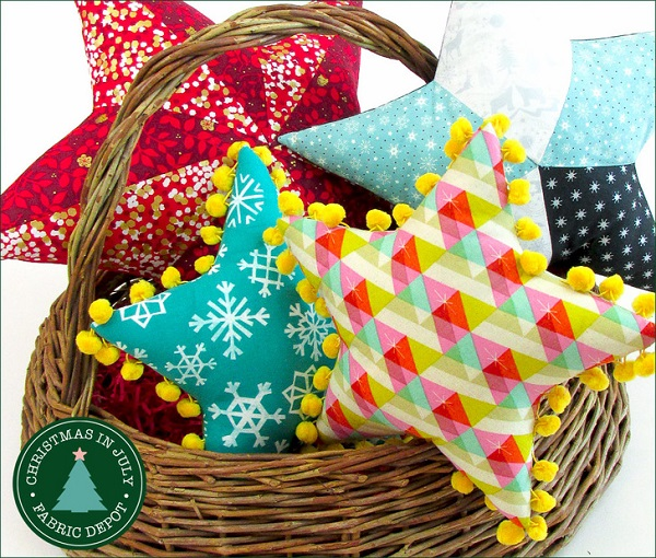 Free pattern: Pieced and pom pom star pillows