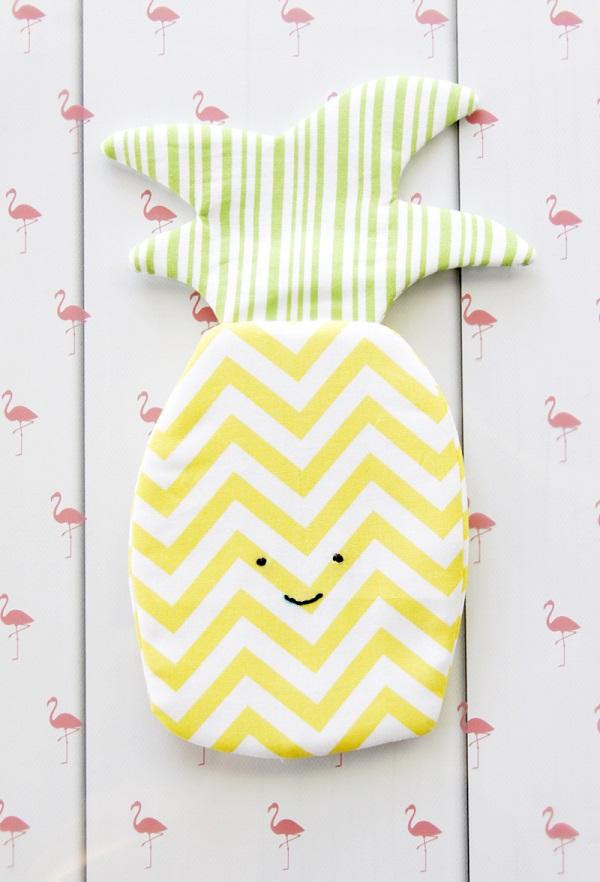 Tutorial: Happy pineapple zipper pouch