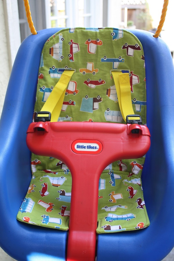 Tutorial: Sew a cushion for a Little Tikes swing