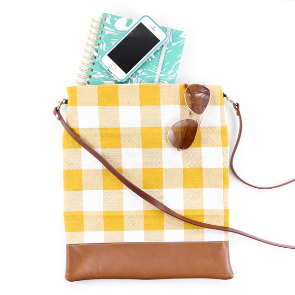 Tutorial Crossbody bag from a kitchen towel