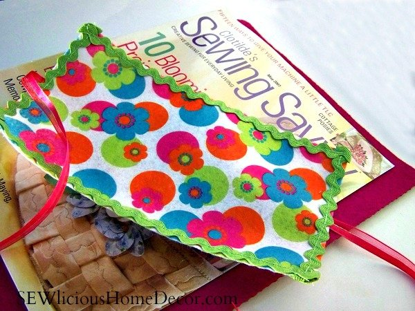 needle sewing holder rick rack tutorial SEW Organized! Need le Little Love Sewing Needle Case + Giveaway