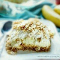 an easy no-bake Banana Pudding Dessert at sewlicioushomedecor.com
