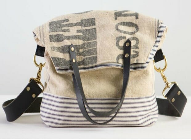 Latest in the Bag of the Month series. Video tutorial - how to sew a vintage style feed sack bag.