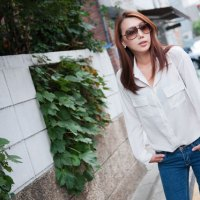 Lee Sung Hwa Outdoor Casual