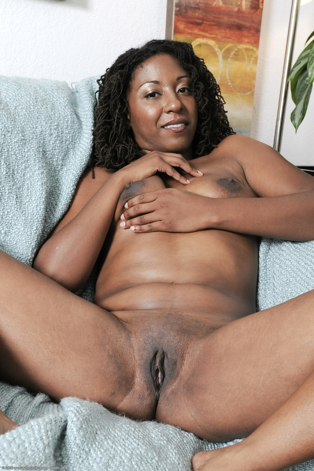 Real ebony girl mature like Capri