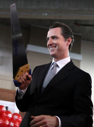 Mayor Gavin Newsom cuts ribbon at Bayview LoweGÇÖs 110410 by Justin Sullivan, Getty