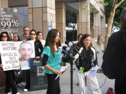 UN petition press conf Kendra at mics LA State Bldg 032012 by Alma Espinosa