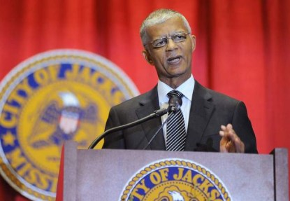 Jackson MS Mayor Chokwe Lumumba announces budget increase to rebuild sewers, comply w EPA consent decree 081913 by Joe Ellis, Clarion-Ledger
