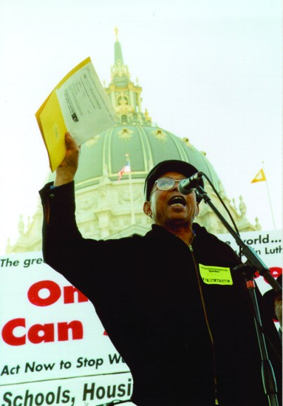 Willie Ratcliff speaks at 2003 anti-war rally before quarter million people, web
