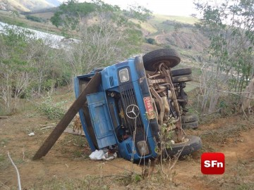 caminhão acidente 2