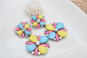 Free-Shipping-Fashion-Colorful-Resin-Crystal-Earrings-2013-Women-For-Girlfriend-Gift-Decoration-Garment-Classic-Earrings