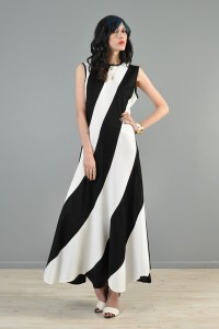 bustown-modern-vintage-white-black-diagonal-stripe-wavy-hem-maxi-dress-001_grande