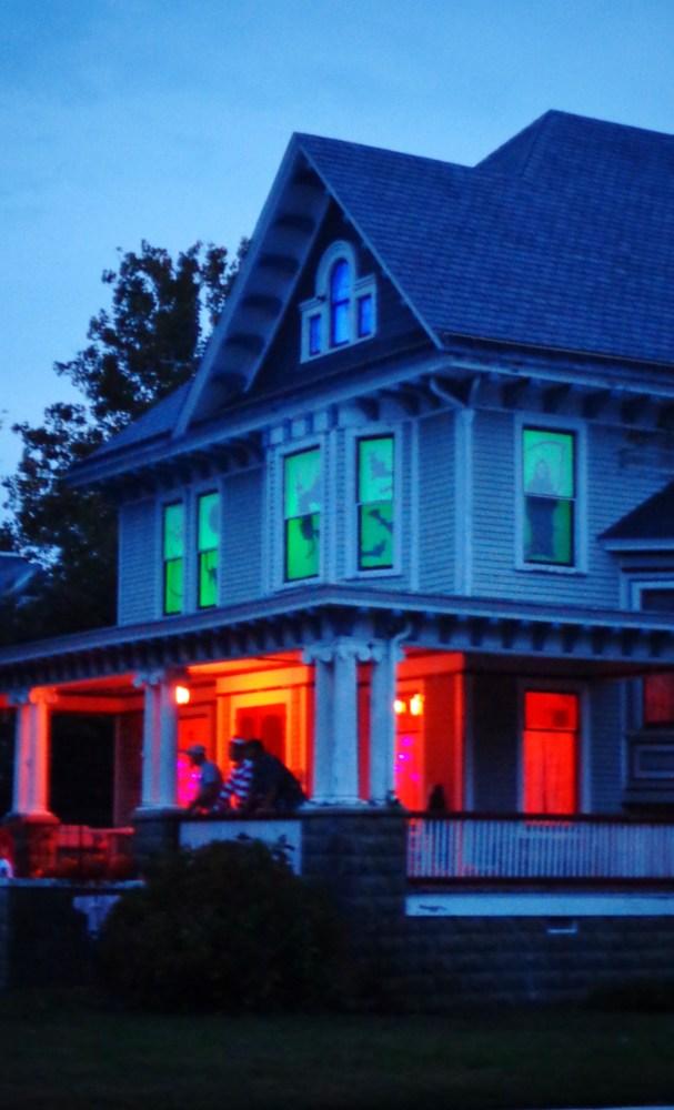 Halloween house from Blue Huesday on Shalavee.com