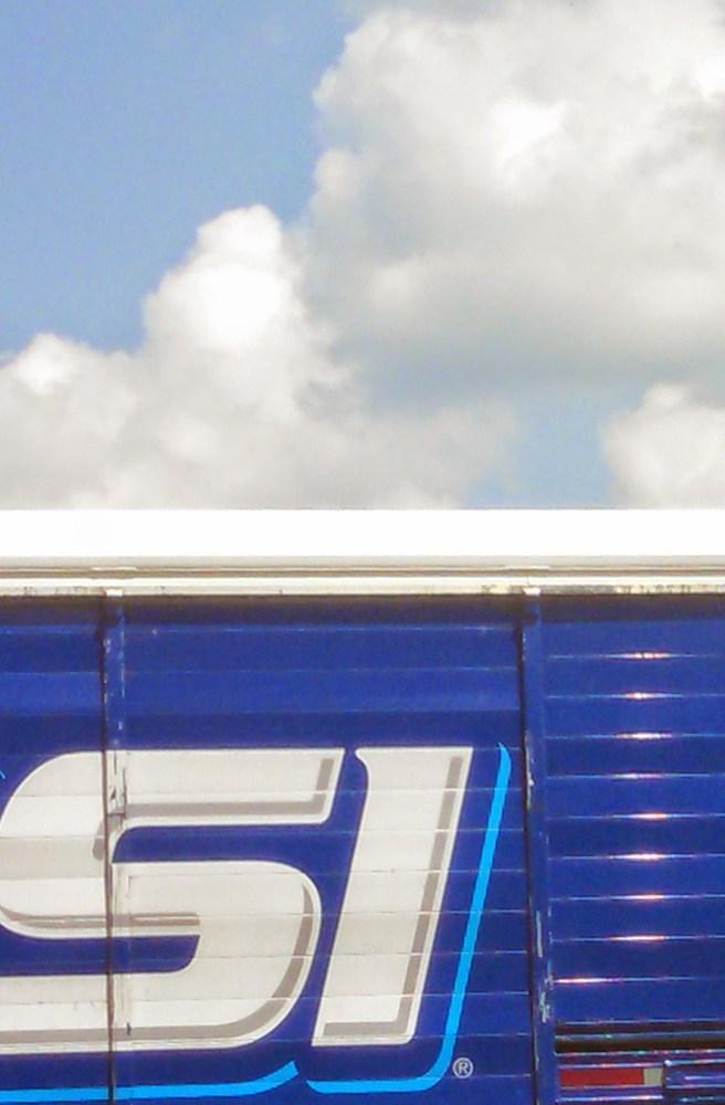 Si truck on Blue Huesday on Shalavee.com
