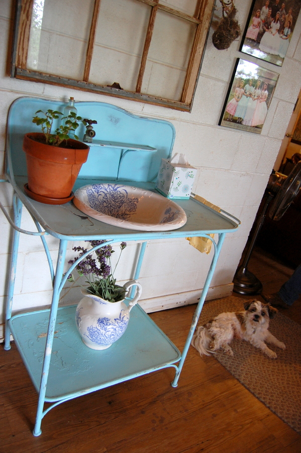 The Tennessee Dry Sink (plus more new decorations)