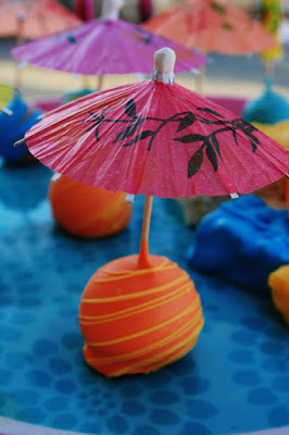 Luau Parasol Pops and Rice Krispie Treats {Cake Pops}