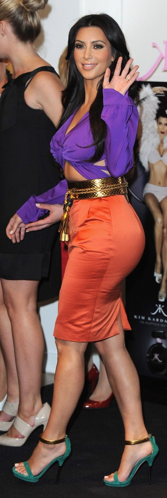 Kim Kardashian side view butt