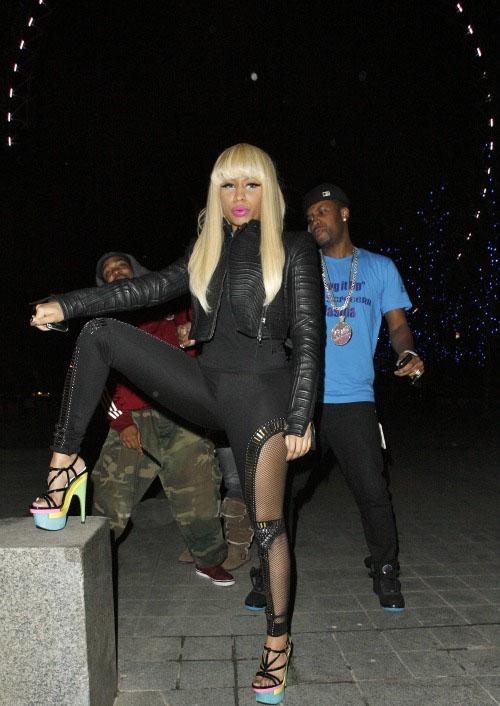 nicki minaj versace shoes
