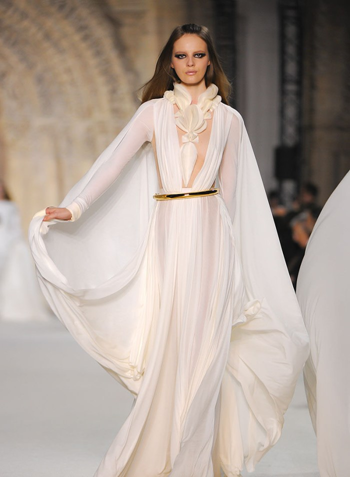 Stéphane Rolland Couture 2012 white float dress
