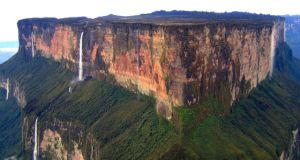 Tri-Borders in the World - Mount Roraima