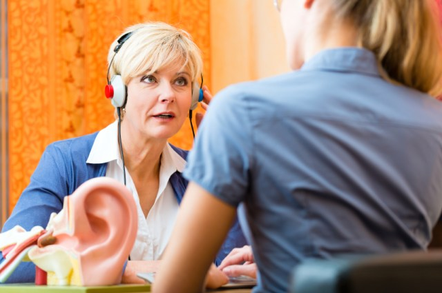 For example, an audiologist or hearing therapist may advise on sound therapy 2