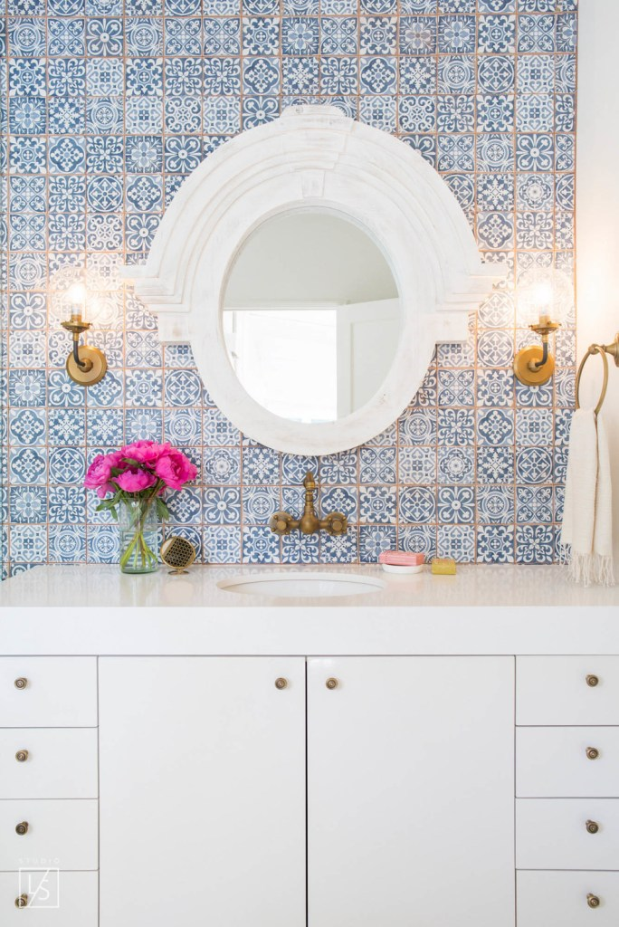 blue moroccan tile bathroom back splash