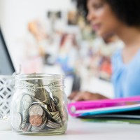 {What Is an IRA?} The Millennial Woman's Guide to Beginners Investing