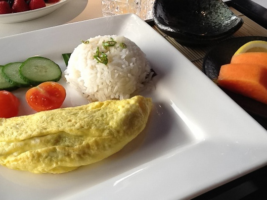 ... ground pork + shrimp | rice, sliced papaya and soy sauce with Thai