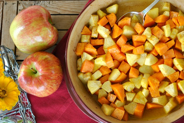 roasted sweet potatoes and apples, easy Thanksgiving recipes