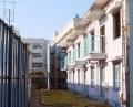 大曽根小と隣接の公務員住宅