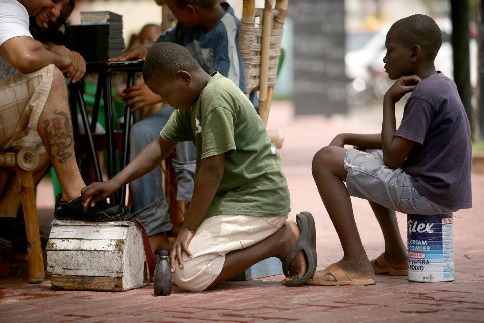Caitlin McHale Project Esperanza Haitian Shoeshining Boys in Dominican Republic Shin Fujiyama Podcast